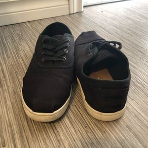 TOMS Black Lace Up Shoes